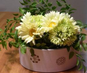 カルトナージュに花